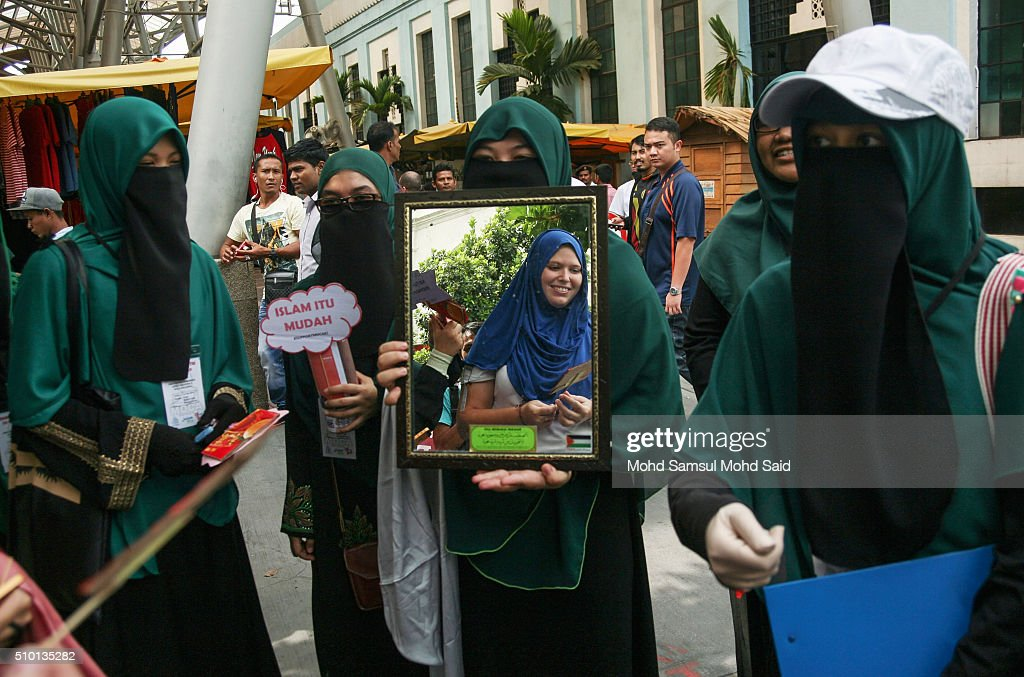 Malaysian Muslim women from MOCA (Malaysians on covering Aurah) attend an anti-Valentines day campaign to educate people about Aurah, on February 14, 2016 in Kuala Lumpur, Malaysia. In Malaysia, Muslims (who account for over 60% the population) are prohibited from celebrating Valentine's day following a fatwa (religious ruling) issued in 2005. Five countries have banned Valentine's day including Malaysia, Russian, Iran, Saudi Arabia and Indonesia who mainly have Islamic populations.
