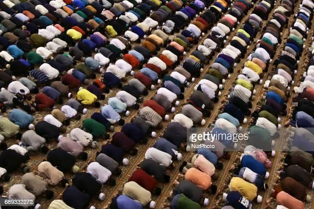 Malaysian Muslims attend tarawih prayer at Federal Territory Mosque Kuala Lumpur Malaysia mark the holy fasting month of Ramadan on 27 May 2017