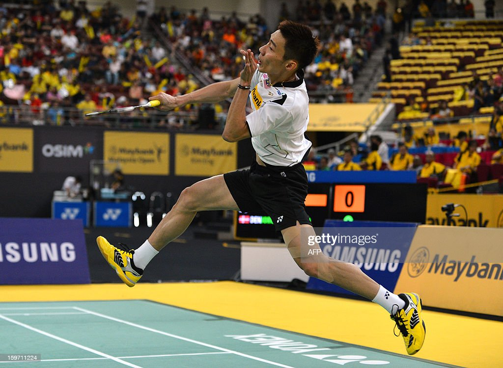 Malaysia's Lee Chong Wei returns a shot against Denmark's Jan O Jorgensen during their men's singles semi-final match at the Malaysia Open Badminton Superseries in Kuala Lumpur on January 19, 2013.