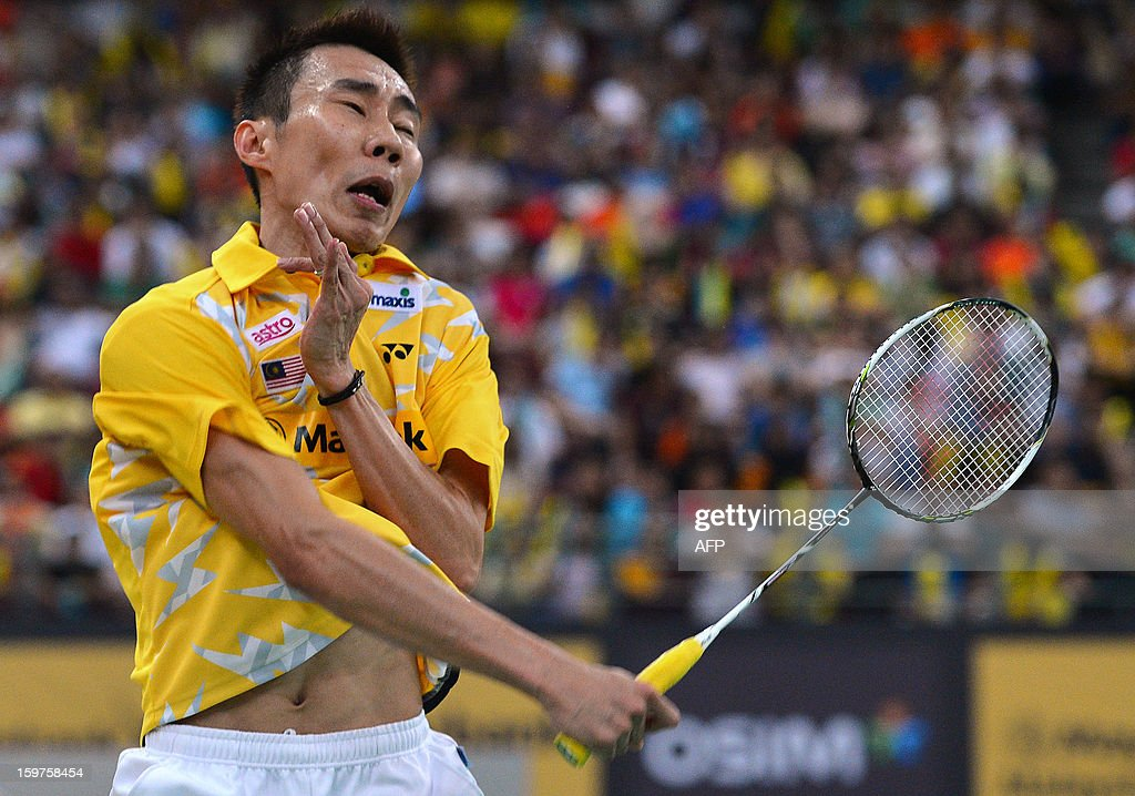Malaysia's Lee Chong Wei returns a shot against Indonesia's Sony Dwi Kuncoro during their men's singles final at the Malaysia Open Badminton Superseries in Kuala Lumpur on January 20, 2013.