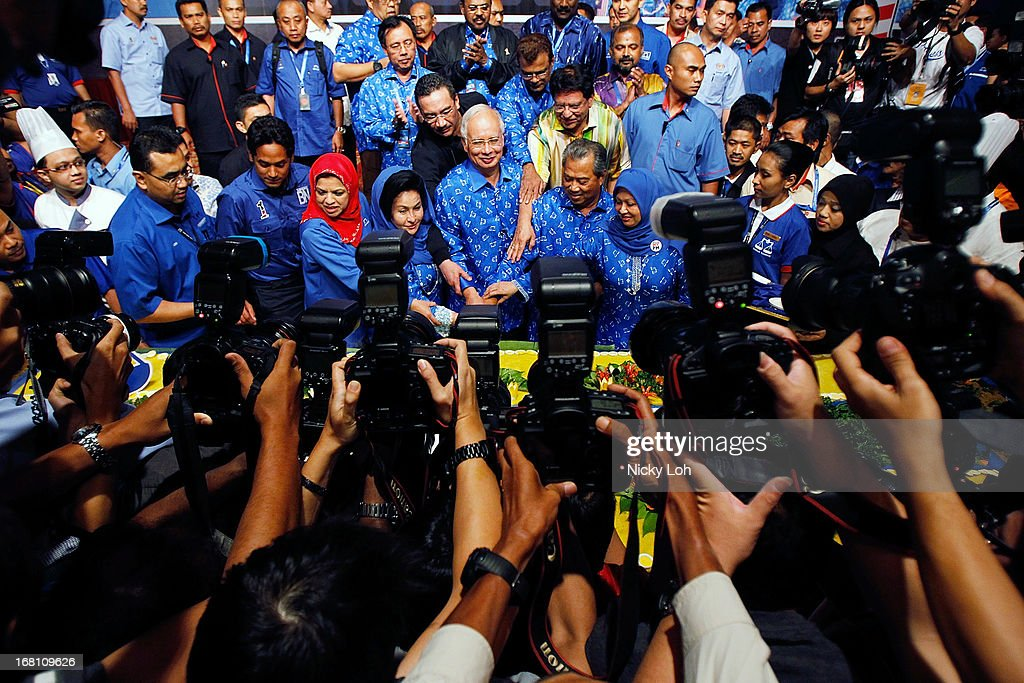Malaysia's Prime Minister and Barisan Nasional (BN) chairman Najib Razak celebrates his victory with a prayer on election day at the PWTC on May 5, 2013 in Kuala Lumpur, Malaysia. Malaysia Prime Minister Najib Razak's coalition won a simple majority in the country's election, defeating Anwar Ibrahim's opposition alliance and extending its 55-year hold on power.