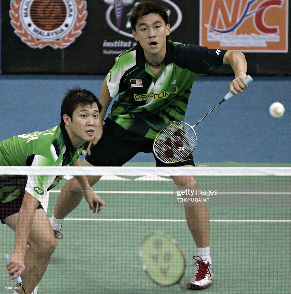 Malaysia s Tan Boon Heong R and Koo Ki