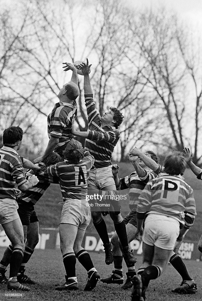 Malcolm Foulkes-Arnold of Leicester (left) jumps with Nigel Redman of Bath during the John Player Special Cup Semi-Final Rugby Union match held at Welford Road Stadium, Leicester on 5th April 1986. Bath beat Leicester 10-6. (Bob Thomas/Getty Images).