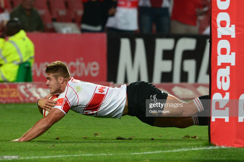 Malcolm Marx of the Lions scores during the Absa Currie Cup match between Xerox Golden Lions and DHL Western Province Emirates Airline Park on...