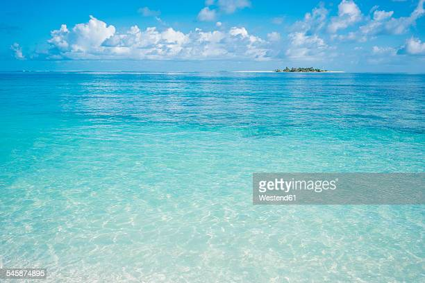 Maldives, Ari Atoll, view to the sea