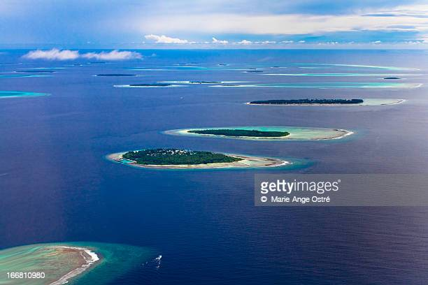 Maldives atolls and islands / îles atolls Maldives