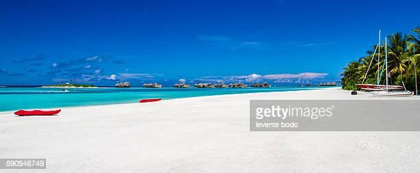 Maldives white sand beach, panoramic