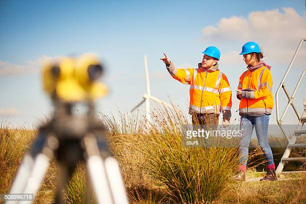 male and female windfarm engineers