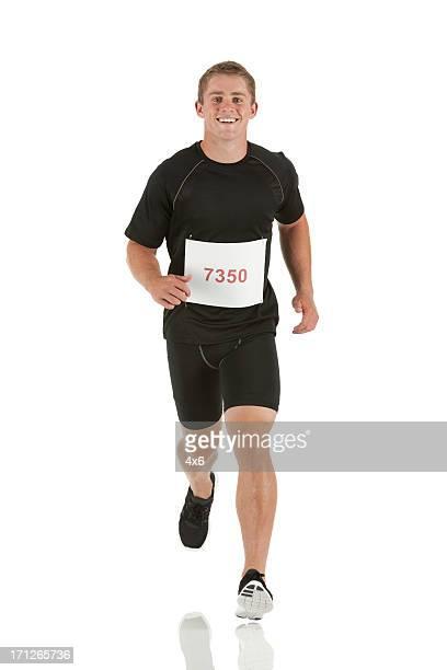 Männliche Athlet runn ing in einen marathon