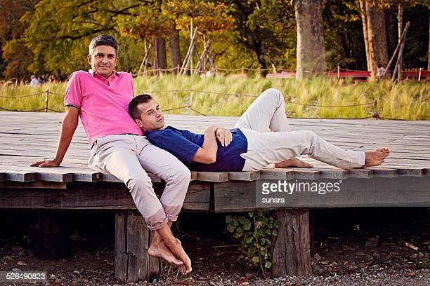 Männliche Gay paar entspannenden