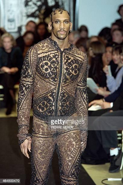 Jean paul gaultier collezioni foto e immagini stock for Haute couture male