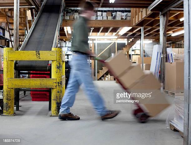 Déplacement de boîtes dans un entrepôt