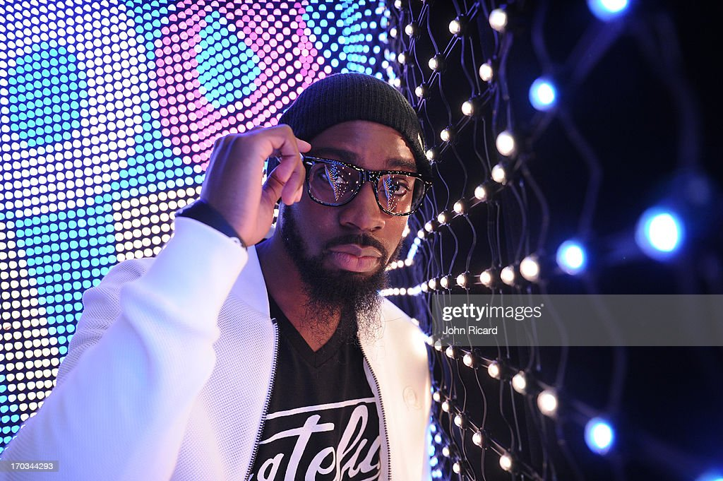 <a gi-track='captionPersonalityLinkClicked' href=/galleries/search?phrase=Mali+Music&family=editorial&specificpeople=5824738 ng-click='$event.stopPropagation()'>Mali Music</a> visits BET's '106 & Park' at BET Studios on June 10, 2013 in New York City.
