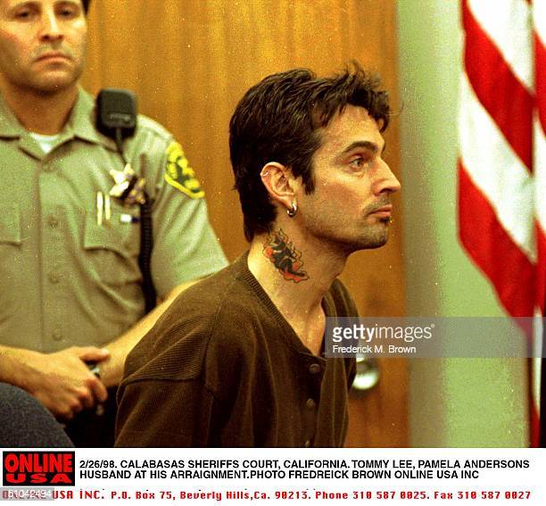 2/26/98 Malibu Ca Tommy Lee Appears At Malibu Municipal Court Accused Of Attacking Wife Pamela Lee
