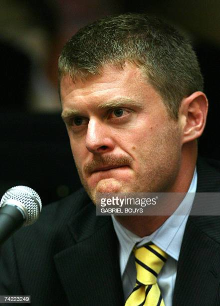 US cyclist Floyd Landis testifies 22 May 2007 during the arbitration hearing of the 2006 Tour de France champion accused of doping at Pepperdine...