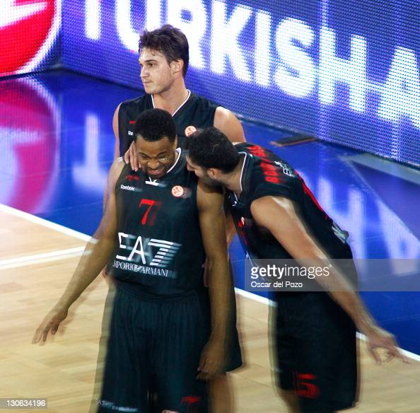Malik Hairston #7 of EA7 Emporio Armani Milan in action during the 20112012 Turkish Airlines Euroleague Regular Season Game Day 2 between Real Madrid...