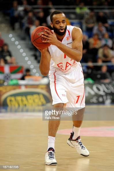 Malik Hairston #7 of EA7 Emporio Armani Milano in action during the 20122013 Turkish Airlines Euroleague Regular Season Game Day 8 between Caja...