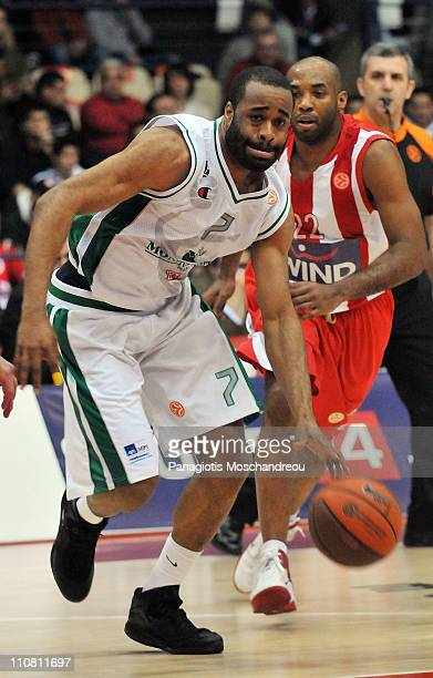 Malik Hairston #7 of Montepaschi Siena in action during the PlayOffs Date 2 game between Olympiacos Piraeus vs Montepaschi Siena at Peace and...