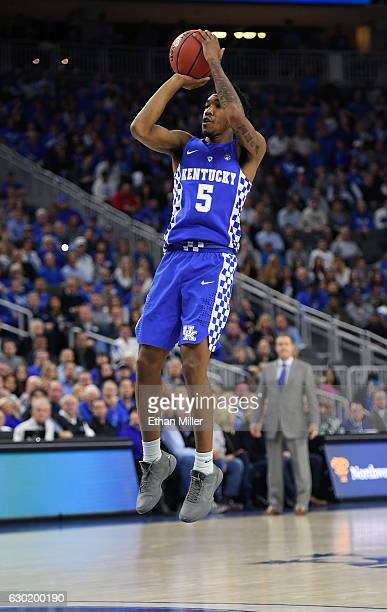 Malik Monk of the Kentucky Wildcats shoots against the North Carolina Tar Heels during the CBS Sports Classic at TMobile Arena on December 17 2016 in...