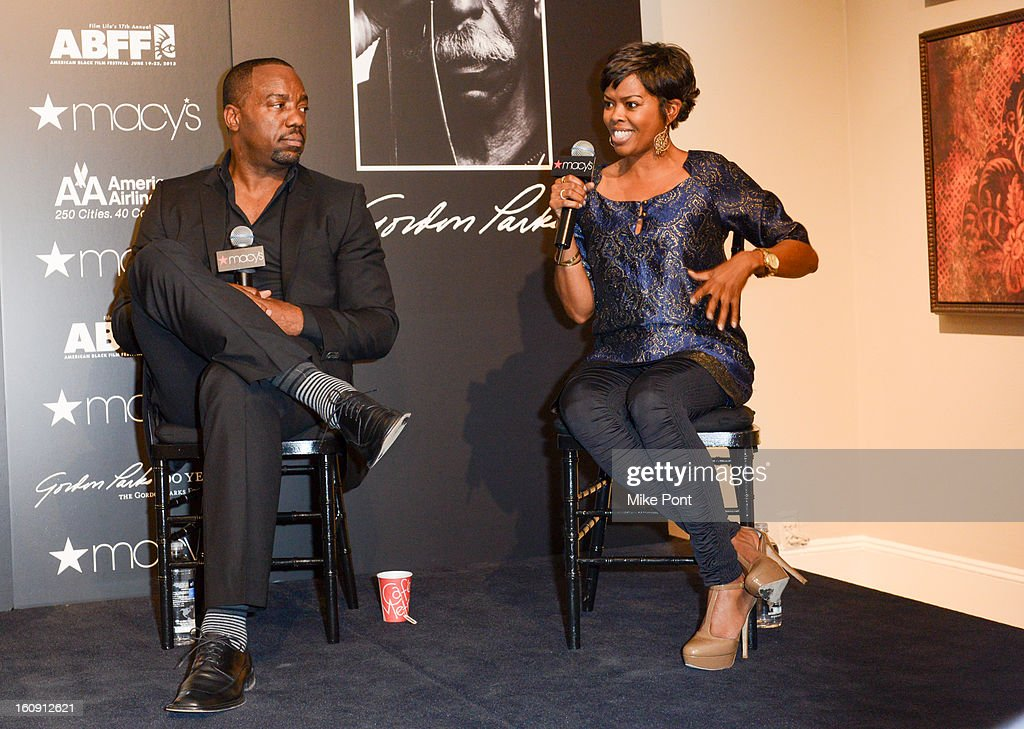 <a gi-track='captionPersonalityLinkClicked' href=/galleries/search?phrase=Malik+Yoba&family=editorial&specificpeople=714316 ng-click='$event.stopPropagation()'>Malik Yoba</a> and <a gi-track='captionPersonalityLinkClicked' href=/galleries/search?phrase=Malinda+Williams&family=editorial&specificpeople=206346 ng-click='$event.stopPropagation()'>Malinda Williams</a> attend Macy's hosts 'In Conversation' honoring Gordon Parks at Macy's Herald Square on February 7, 2013 in New York City.