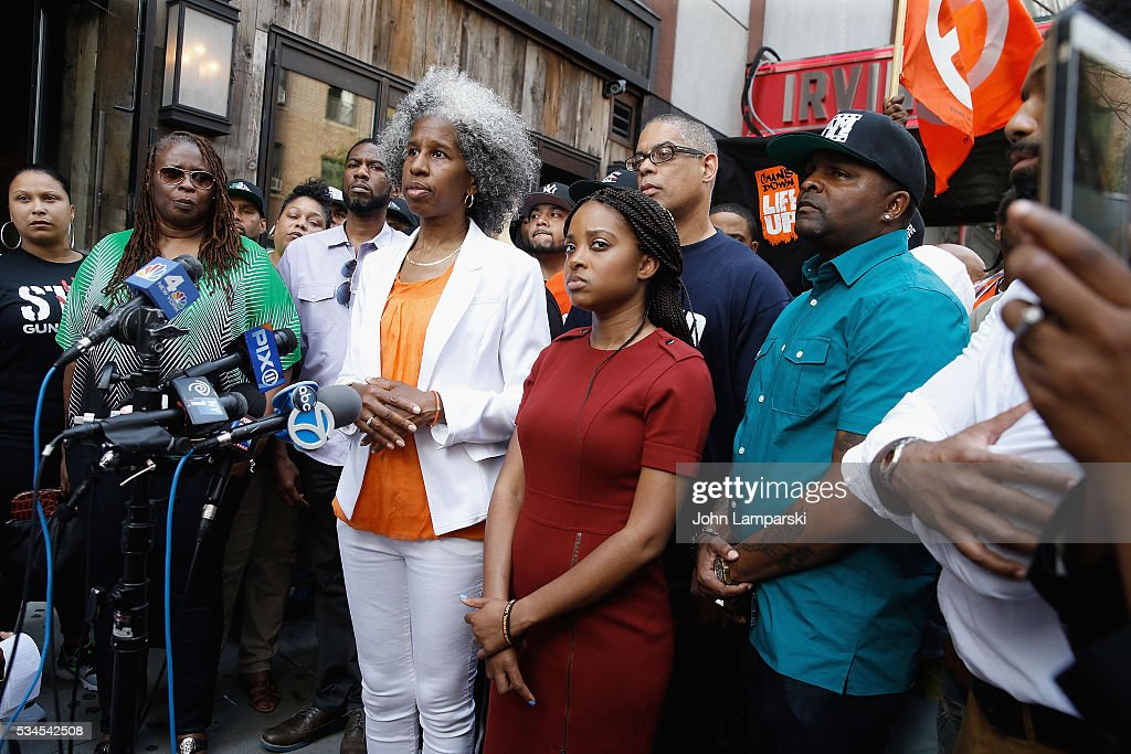 AT Mallory, Rose McPhatter, Erica Ford ,brother of shooting victim Ronald McPhatter, Shanduke McPhatte and Tamika Mallory attend National Anti-Violence Community Press Conference at Irving Plaza with family of Ronald McPhatter, shooting victim at Irving Plaza on May 26, 2016 in New York City.