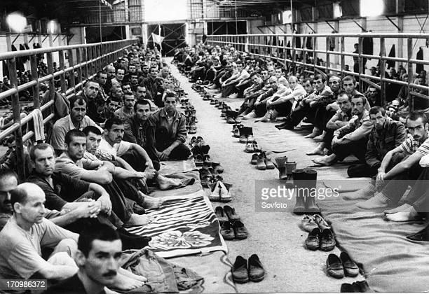Malnourished croatian and bosnian muslim prisoners of war in manjaca the largest serbian concentration camp serbia 1992
