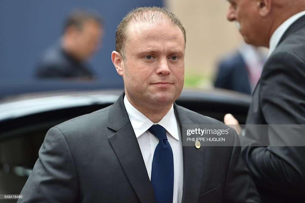 Malta's Prime minister Joseph Muscat arrives before an EU summit meeting on June 28, 2016 at the European Union headquarters in Brussels. / AFP / PHILIPPE