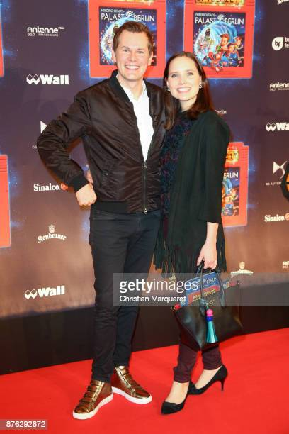 Malte Arkona and AnnaMaria List attends the premiere of the children show 'Spiel mit der Zeit' at Friedrichstadtpalast on November 19 2017 in Berlin...