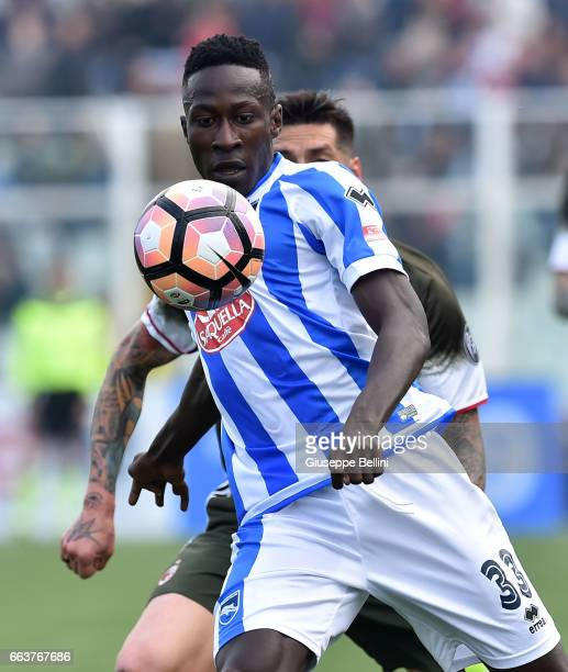 Mamadou Coulibaly of Pescara Calcio in action during the Serie A match between Pescara Calcio and AC Milan at Adriatico Stadium on April 2 2017 in...