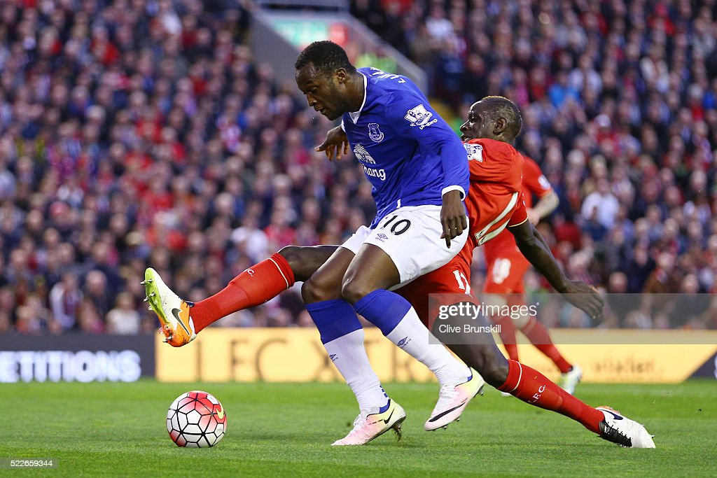 <a gi-track='captionPersonalityLinkClicked' href=/galleries/search?phrase=Mamadou+Sakho&family=editorial&specificpeople=4154099 ng-click='$event.stopPropagation()'>Mamadou Sakho</a> of Liverpool makes a challenge on <a gi-track='captionPersonalityLinkClicked' href=/galleries/search?phrase=Romelu+Lukaku&family=editorial&specificpeople=6342802 ng-click='$event.stopPropagation()'>Romelu Lukaku</a> of Everton during the Barclays Premier League match between Liverpool and Everton at Anfield, April 20, 2016, Liverpool, England