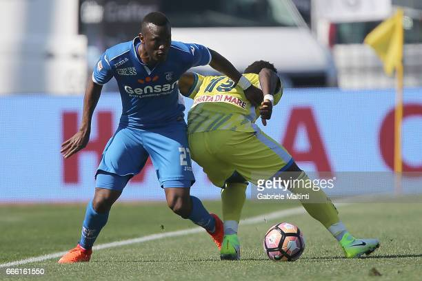 Mame Baba Thiam of Empoli Fc battles for the ball with Gaston Brugman of Pescara Calcio during the Serie A match between Empoli FC and Pescara Calcio...