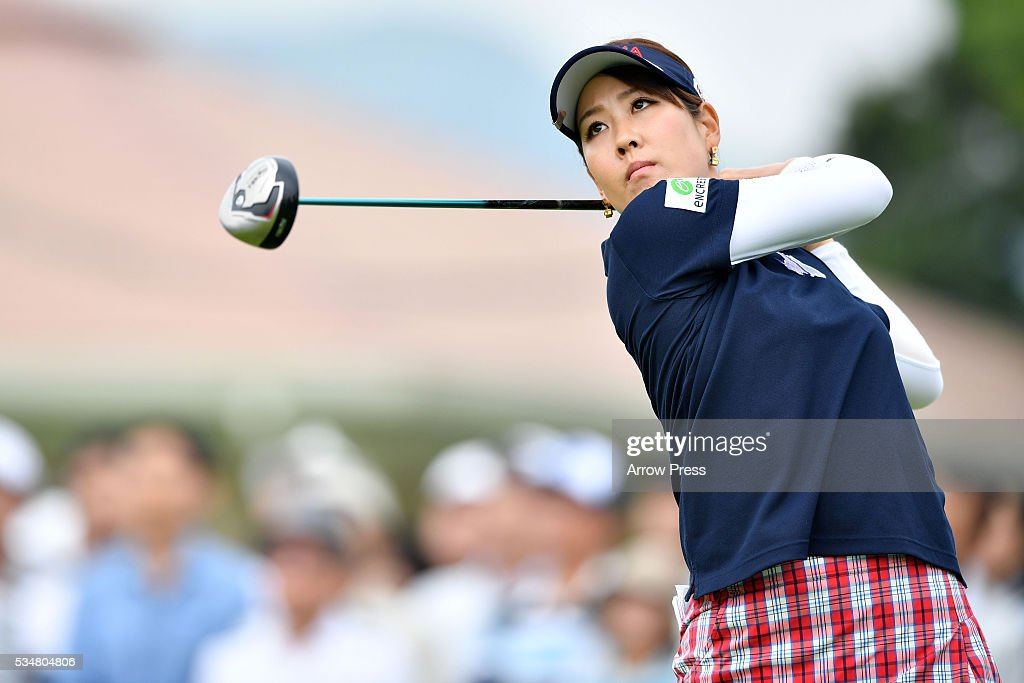 <a gi-track='captionPersonalityLinkClicked' href=/galleries/search?phrase=Mami+Fukuda&family=editorial&specificpeople=14050379 ng-click='$event.stopPropagation()'>Mami Fukuda</a> of Japan hits her tee shot on the 1st hole during second round of the Resorttrust Ladies at the Grandee Naruto Golf Club XIV on May 28, 2016 in Naruto, Japan.