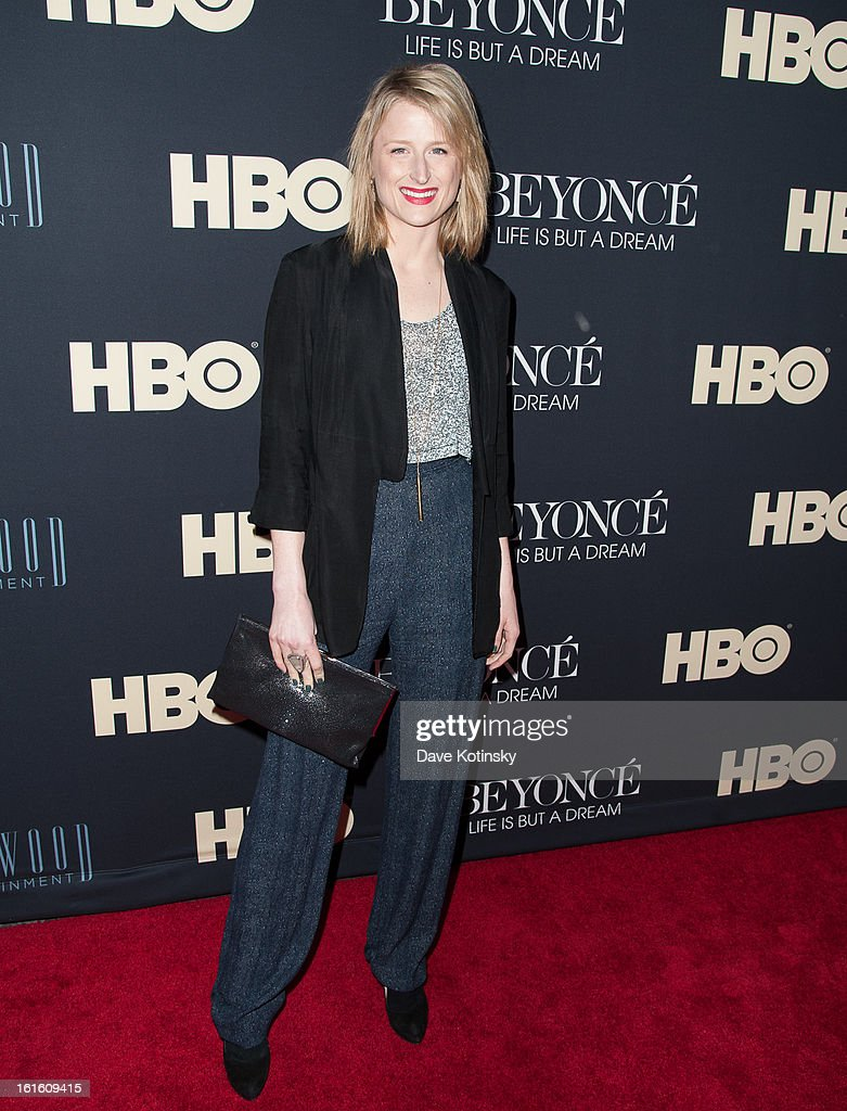 Mamie Gummer attend the 'Beyonce: Life Is But A Dream' New York Premiere at Ziegfeld Theater on February 12, 2013 in New York City.