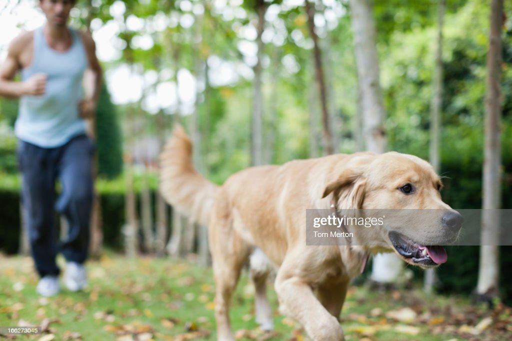 DAVID COOLER - DOG HUNTIN MAN LYRICS
