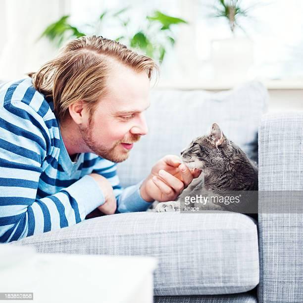 Homme et son chat