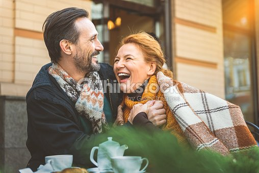Man and woman dating in cafe : Foto de stock