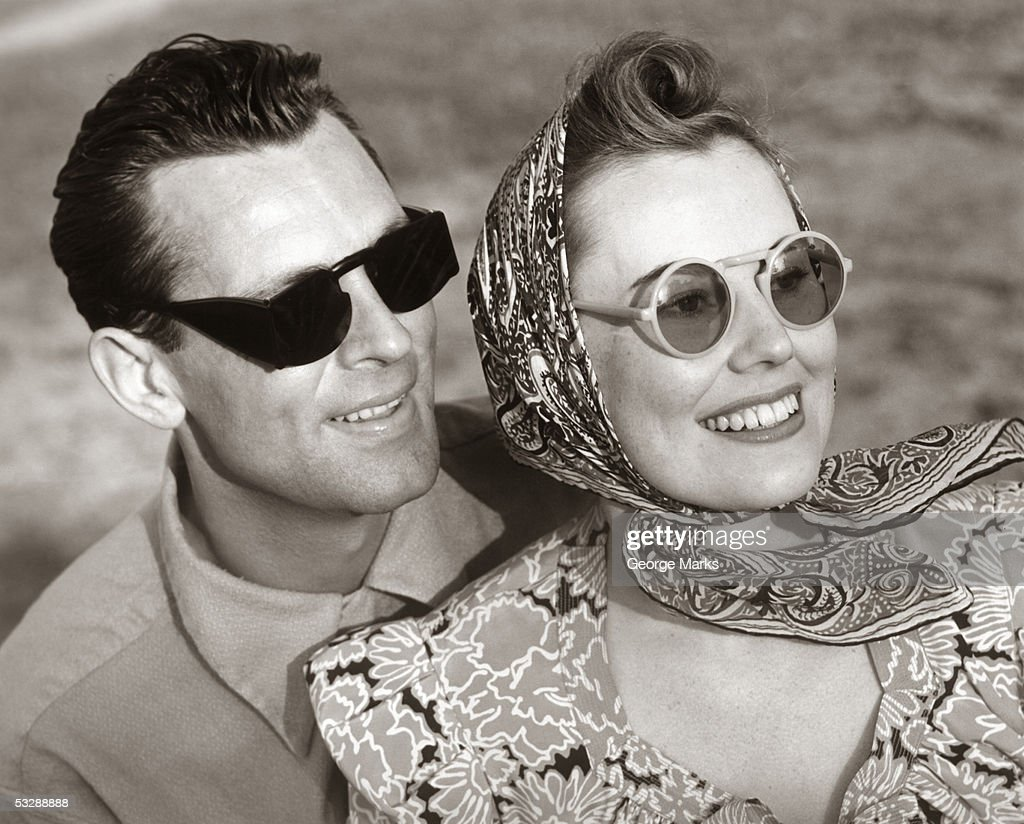 Man and woman wearing sunglasses : Stock Photo