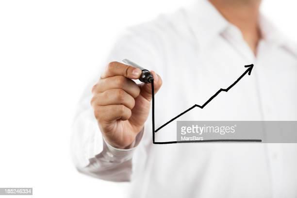 Mann greift nach oben Diagramm auf Glas board