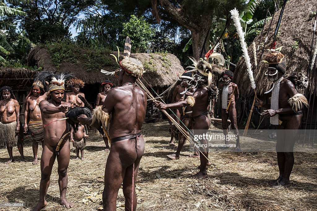 indianka-privela-negrov-v-spalnyu