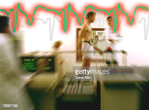 Man getting cardiology exam