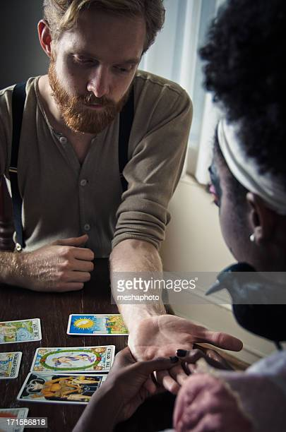 Homme faire son avenir dit Palm lecture