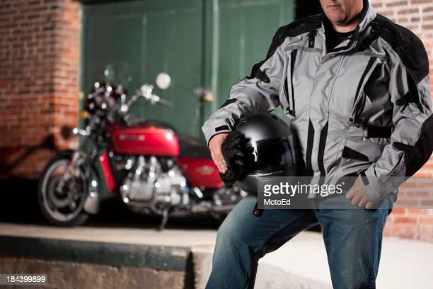 Hombre salir a dar un paseo en moto