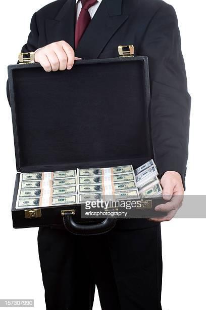 Mann hält Brieftasche mit Geld
