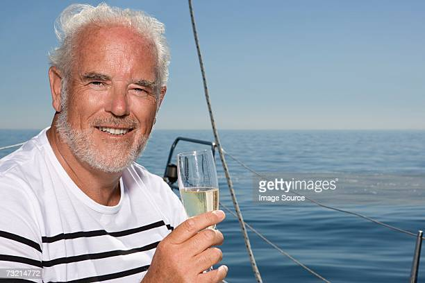 Uomo con champagne Flauto