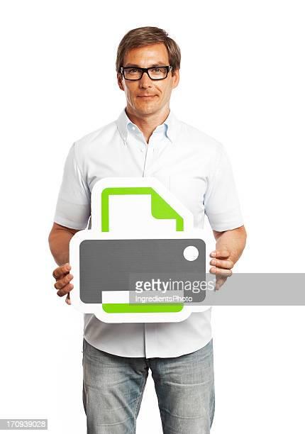 Mann hält Drucker-Schild, isoliert auf weißem Hintergrund.