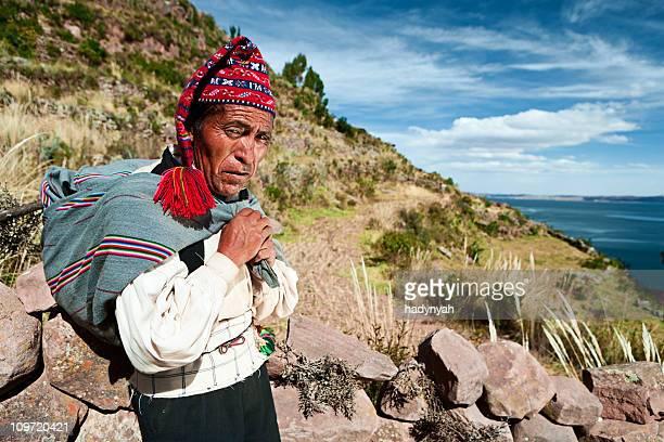 Mann-Kleidung auf Taquile, Peru