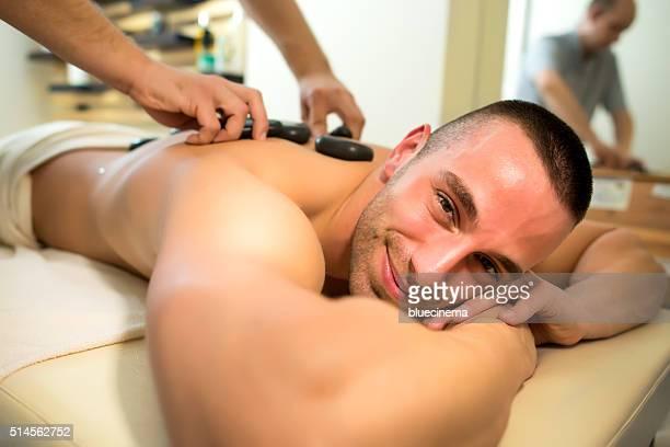 Homem no Spa Massagem de recepção