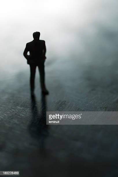 Hombre en la sombra