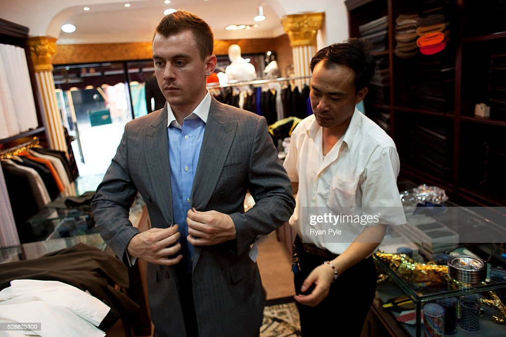 China - Business - Shopping in Shanghai Pictures | Getty Images