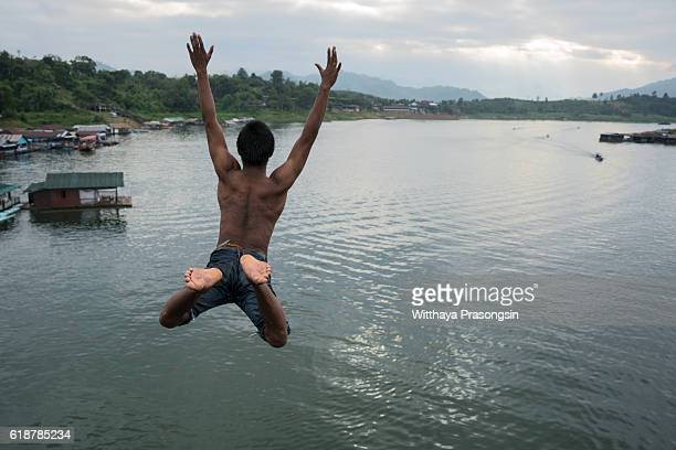 Man jumps from bridge, a 'bridge' the second longest bridge in the world.
